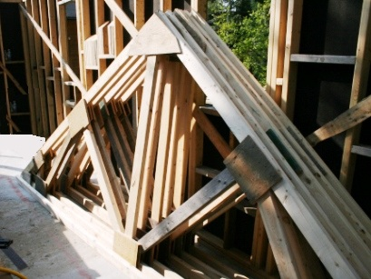 Construire des fermes de toit en bois de charpente dans notre maison for Construire sa toiture