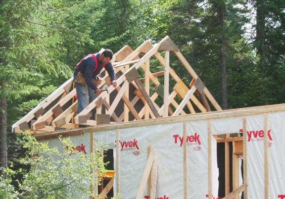 Construire des fermes de toit en bois de charpente | DANS NOTRE MAISON